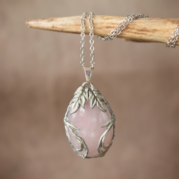 Collier sculpté quartz rose