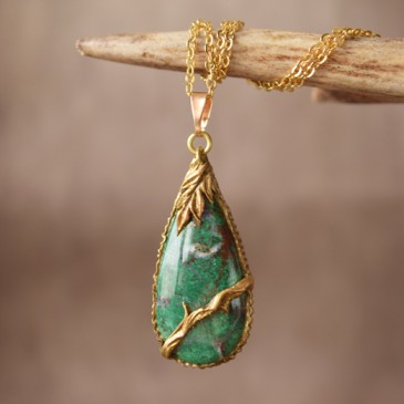 Collier sculpté chrysocolle