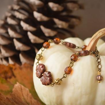 Compagnons d'automnes – bracelet «Érable rouge» doré – verre tchèque