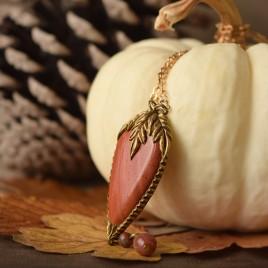 Collier sculpté «Noces d'automne» jaspe rouge