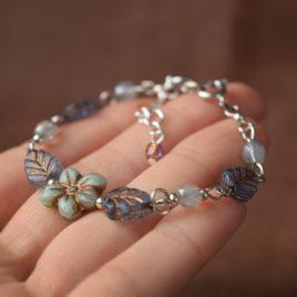 Compagnons de printemps – bracelet «Hydrangea» – verre tchèque