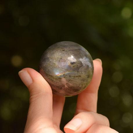 lorliaswood_sphere-labradorite